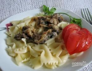 Макароны со сливочным чесночно-грибным соусом - фото шаг 7