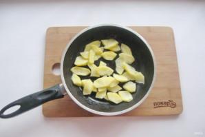 Шарлотка с айвой и яблоком - фото шаг 2