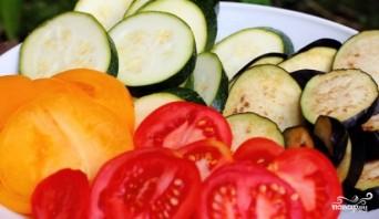 Овощи с моцареллой в духовке - фото шаг 1