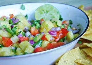 Салат с тунцом и ананасом - фото шаг 2