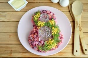 Салат в виде восьмерки - фото шаг 6