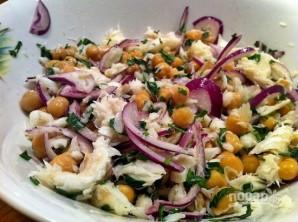Салат с треской - фото шаг 6