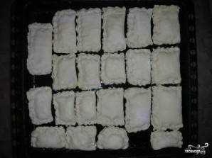 Слоеные пирожки с сыром - фото шаг 4