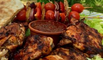 Вкусная курица на гриле (плюс соус барбекю) - фото шаг 10