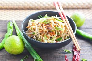 Салат с рисовой лапшой - фото шаг 12