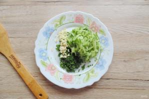 Салат с жареными баклажанами и свежими помидорами - фото шаг 6