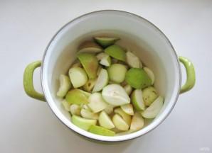 Компот из яблок, груш и алычи - фото шаг 2