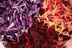 Салат со свежей свеклой - фото шаг 3