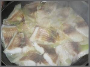 Рыба под сметанным соусом - фото шаг 1