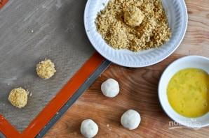 Шарики из пюре в сырной панировке - фото шаг 3