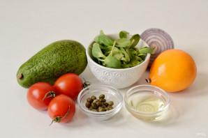 Салат с каперсами и авокадо - фото шаг 1