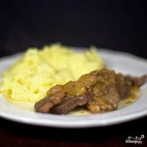 Тушеное мясо утки с яблоками - фото шаг 11