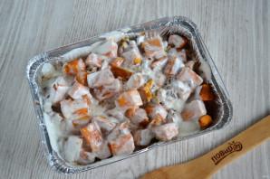 Тыква в сметанном соусе в духовке - фото шаг 5
