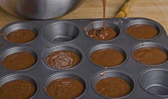 Шоколадный кекс пятиминутный - фото шаг 4