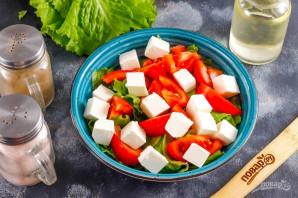 Салат с помидорами и сыром - фото шаг 4