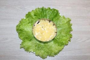Салат с курицей, черносливом и ананасом - фото шаг 8