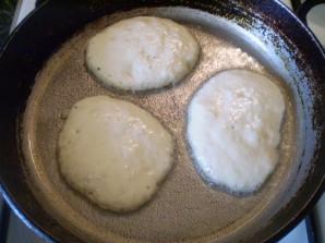 Оладьи на кефире пышные без яйца - фото шаг 6