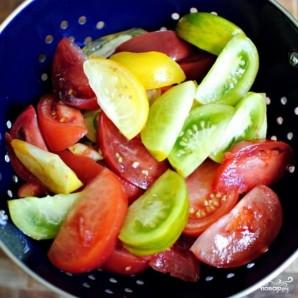 Особый салат из разноцветных помидоров - фото шаг 4