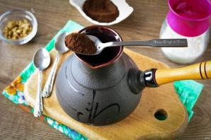 Кофе с кардамоном в турке - фото шаг 2