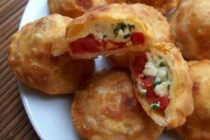 Пирожки с помидорами - фото шаг 8