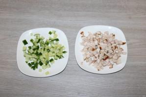 Салат с корейской морковкой, курицей и яйцом - фото шаг 2