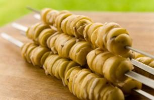 Картошка с салом в фольге на костре - фото шаг 3