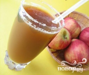 Витаминный напиток с яблоком и корицей - фото шаг 1