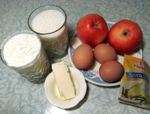 Шарлотка на маргарине с яблоками - фото шаг 1