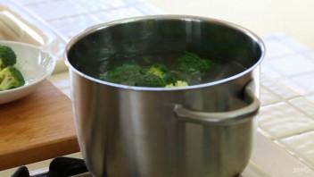 Запечённое пюре из картофеля и брокколи - фото шаг 2