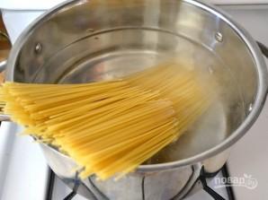 Спагетти с томатной пастой - фото шаг 3