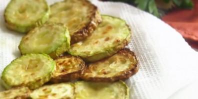 Салат с жареными кабачками - фото шаг 2