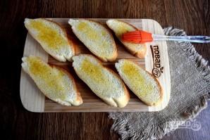 Брускетта с сардинами и сливочным сыром - фото шаг 2