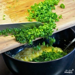 Кабачковые оладьи с козьим сыром - фото шаг 9