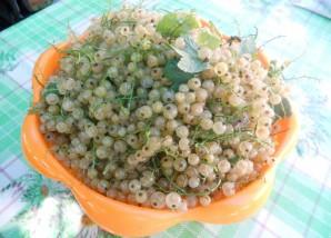 Варенье из белой смородины без варки - фото шаг 1