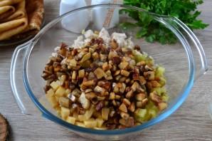 Мясной салат с блинчиками - фото шаг 6