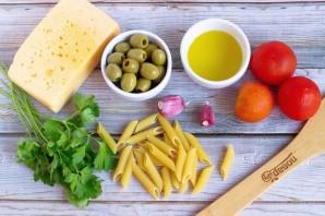 Паста с помидорами и маслинами - фото шаг 1