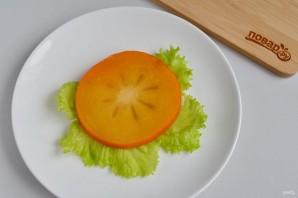Слоеный салат из хурмы - фото шаг 8