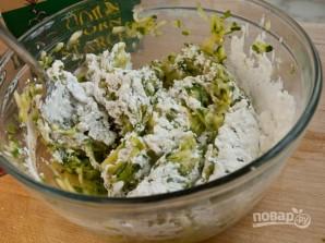 Драники с сыром и зеленым луком - фото шаг 4