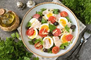 Салат с отварным окунем - фото шаг 7