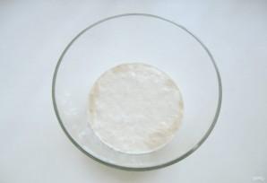 Сдобный пирог с вишней - фото шаг 1