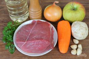 Мясо с сельдереем в мультиварке - фото шаг 1