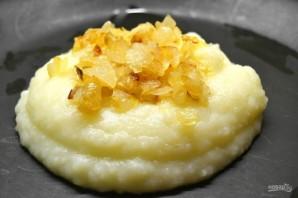 Пюре из картофеля с жареным луком - фото шаг 8