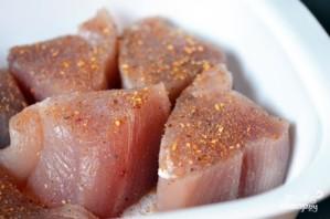 Филе тунца в духовке - фото шаг 3
