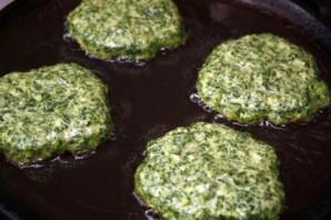 Оладьи с яйцом и зеленью - фото шаг 4
