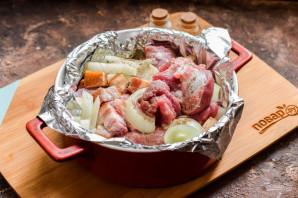 Свинина с салом в духовке - фото шаг 5
