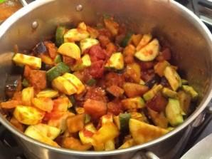 Баклажаны, тушеные с овощами - фото шаг 4