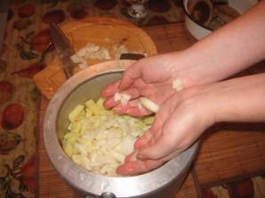 Курица с картошкой в скороварке - фото шаг 4