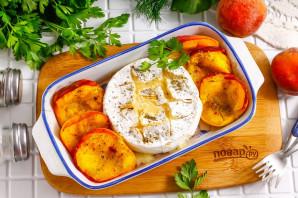 Камамбер с персиками в духовке - фото шаг 5