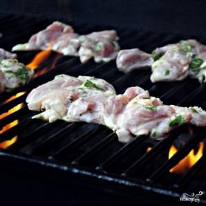 Куриные бедрышки, маринованные в пиве - фото шаг 12