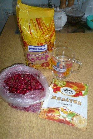 Желе с ягодами - фото шаг 1